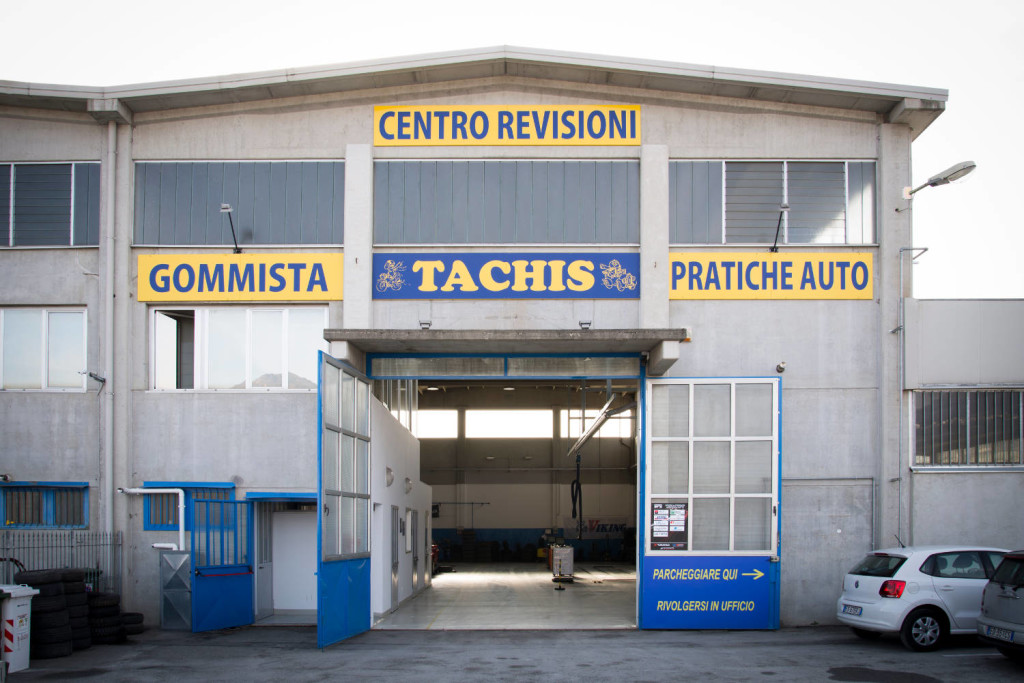 Tachis Villar Dora esterno